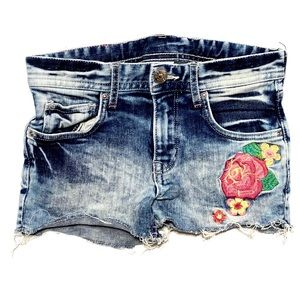 H&M Stonewashed Floral Patch Jean Shorts